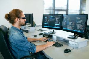 Moderner Computer Arbeitsplatz
